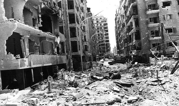La Ville de Hama désolée, après le siège, les bombardement et le pillage militaire de 1982