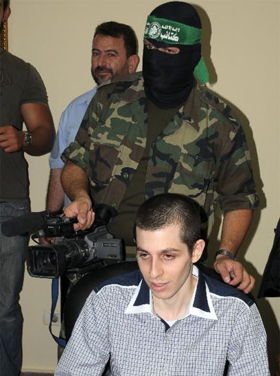 Guardian Letters Editor abets distortion of Gilad Shalit's comments about Palestinian prisoners
