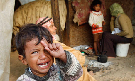 Syrian Children Crying A palestinian boy crying,