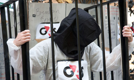 Guardian highlights solidarity with Palestinian prisoners outside G4S meeting