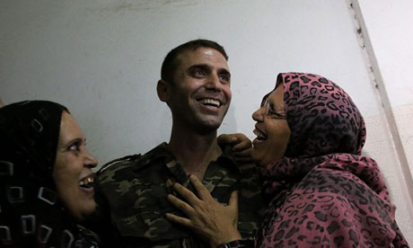 Released Palestinian prisoner Nihad Jendeia is welcomed upon his arrival by his relatives in Gaza