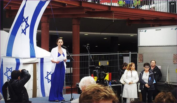 Annika Hernroth-Rothstein speaks at a pro-Israel rally in Stockholm, September 2012. Courtesy Black on White.