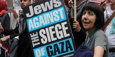 Guardian prints letter by anti-Zionist Jew blaming Zionist Jews for antisemitism