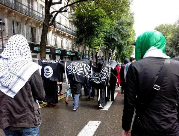 isis flag paris